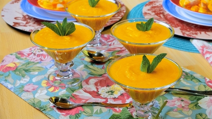 Minty Cucumber and Carrot Soup 1
